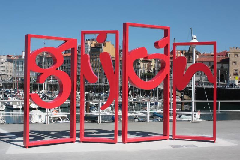 Letronas de Gijón en el Puerto Deportivo